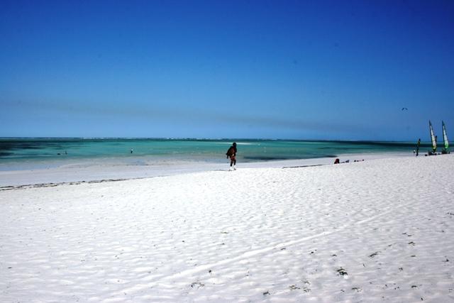 spiaggia-pwani-mchangani-zanzibar